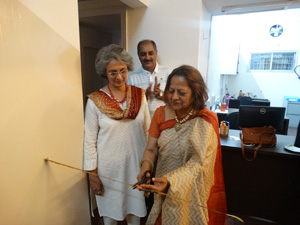 vibha-oke-art-exhibition-opening