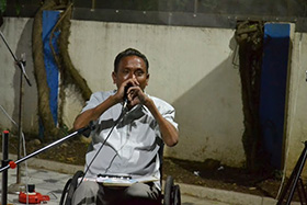 Purbu Rindol also played the harmonica