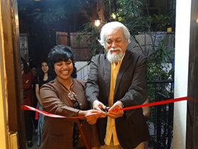 Mr Randhir Khare - director Gyaan Adab inaugurated Ishita Dharap's exhibition