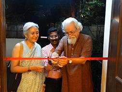 Founder of Devrai Village, Mandakini Mathur, opens the exhibition, along with Randhir Khare