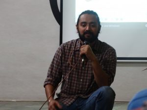 Tapan Pandit discusses his film with the audience.
